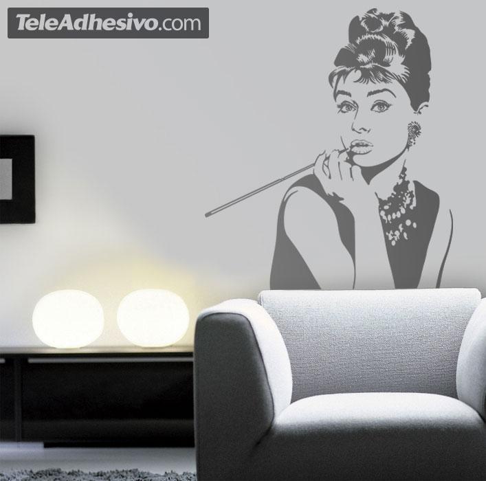 Adesivi Murali Audrey Hepburn.Adesivo Murale Audrey Hepburn Posa Stickersmurali Com